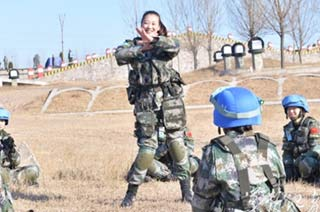 解放军维和女兵来自文工团