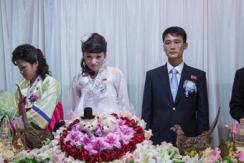 美摄影师镜头下的朝鲜婚礼