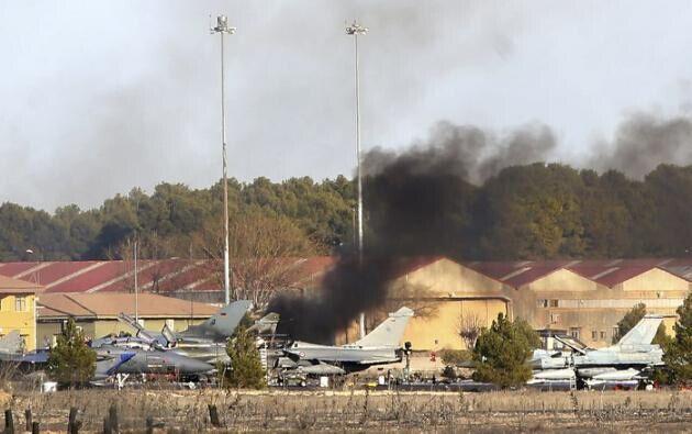 一架战机参加北约军演时坠毁 机上10人丧生