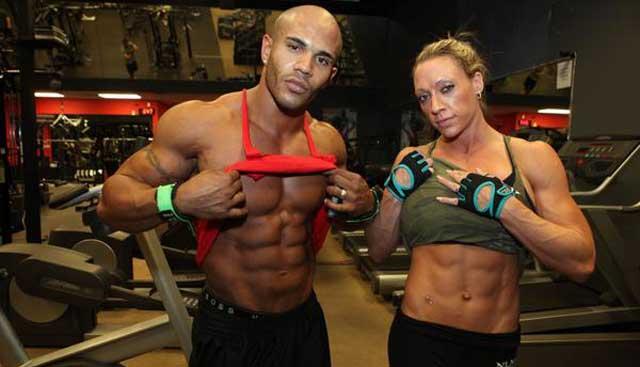 世界最健美夫妇  每日6餐每年5万镑用于健身
