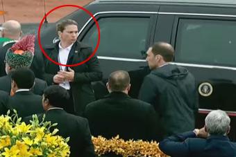 贴身女保镖为奥巴马打开车门