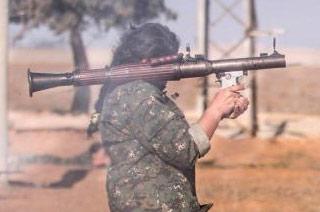 库尔德女兵重机枪火箭筒全会用