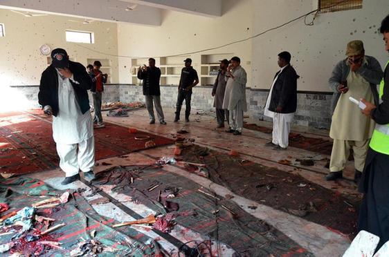 巴基斯坦清真寺遇袭致61死 塔利班分支宣称负责(图)