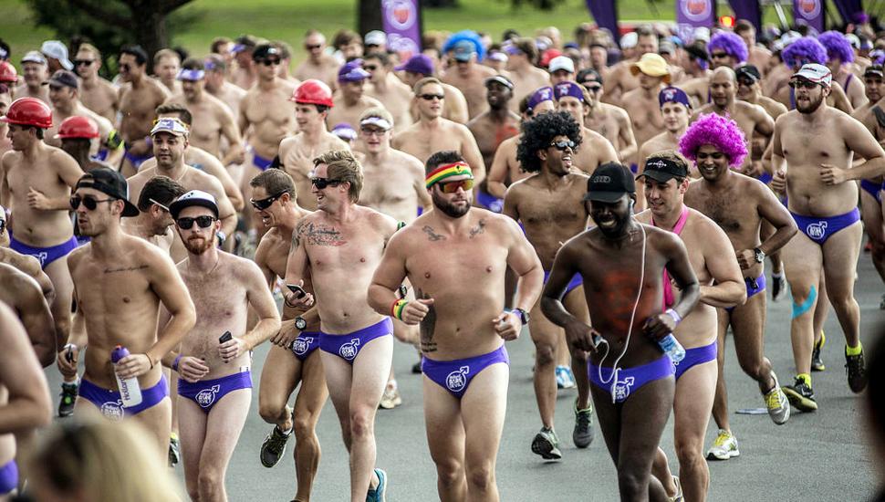 """图片一周精选 南非举办""""短裤""""赛跑呼吁关注疾病"""