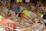 泰国满月派对 游人醉态百出