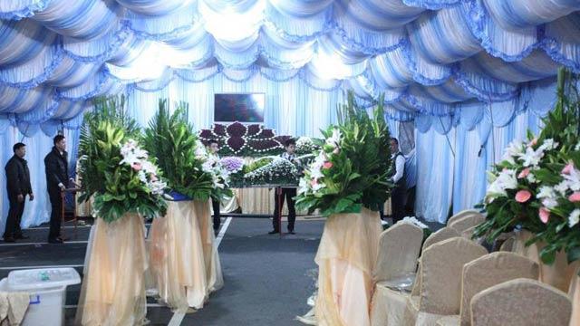 台北第二殡仪馆为复兴空难罹难者布置灵堂