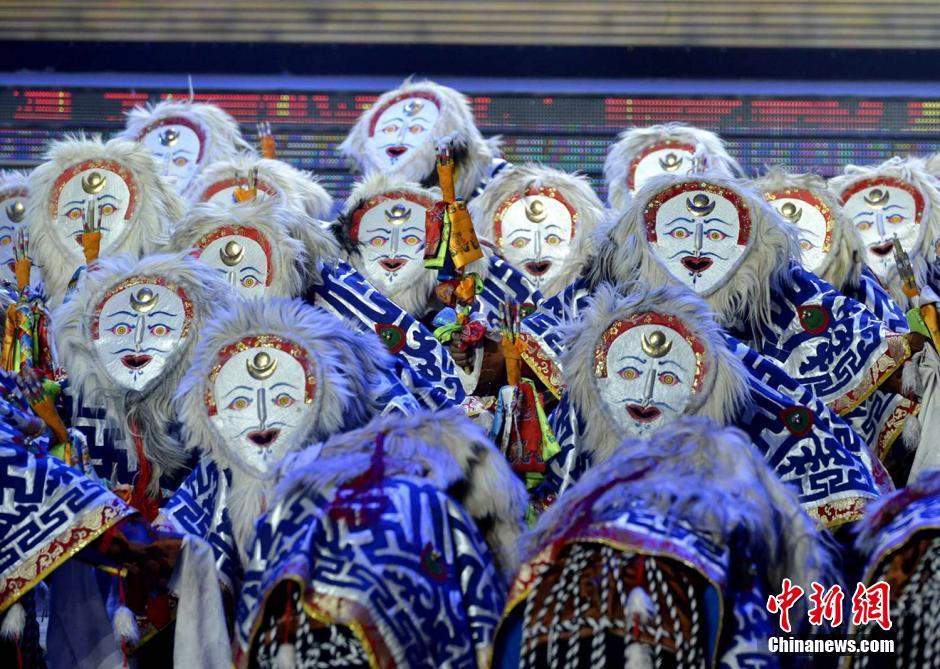 拉萨市2015年春节藏历木羊新年电视联欢会录制完成