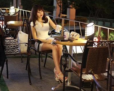 韩国美女体育老师海量美照:高跟鞋篇