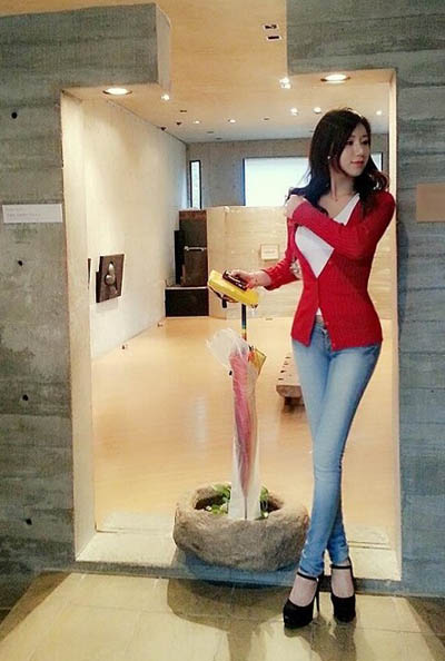 体育美女_【图集】韩国最美女体育老师身材前凸后翘私