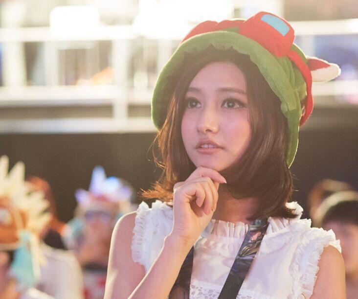 2、MISS 预估价格1700万/年MISS本名韩懿莹,26岁,多项电竞比赛的