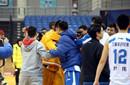 青岛警方调查志愿者被打事件 称已拍摄视频作证