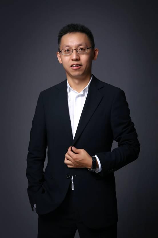 """37游戏总裁李逸飞荣获""""上海出版新人奖"""""""