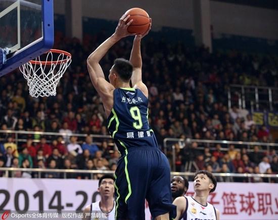 广东自满险遭逆转胜在篮板 杀入4强又见夙敌北京