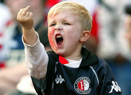 """费耶诺德5岁小""""足球流氓""""长大了!"""