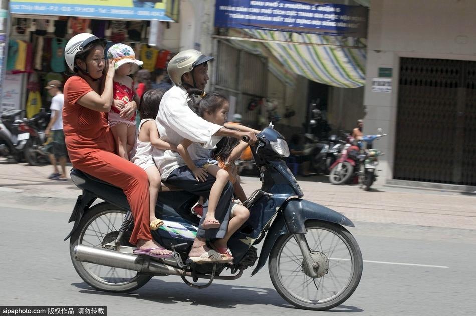 走近越南:摩托车上的国家_图片_环球网