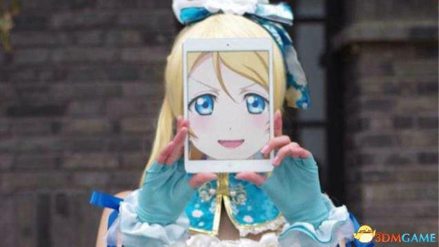 次元之墙可以破 日本少女用iPad实现完美Cosplay