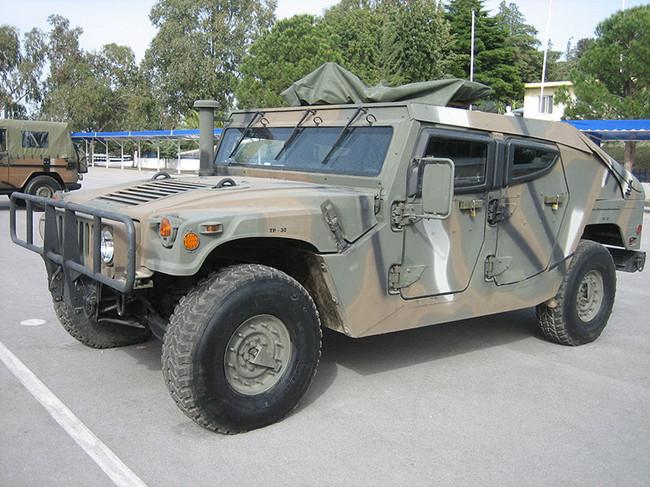 组图:越野之王军用悍马的各种车型