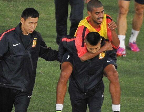 恒大外援阿兰赛前训练受伤 将缺席明亚冠比赛