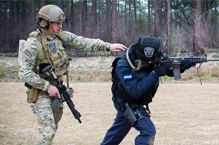 美军特种兵手把手传授外军技能
