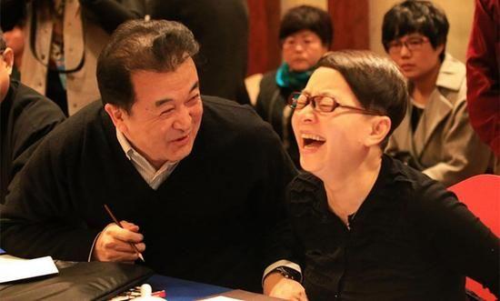宋丹丹黄宏恩怨往事大揭秘:为赵本山反目成仇