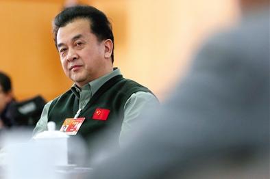 黄宏从特招小兵到厂长 少将军衔是如何得来的
