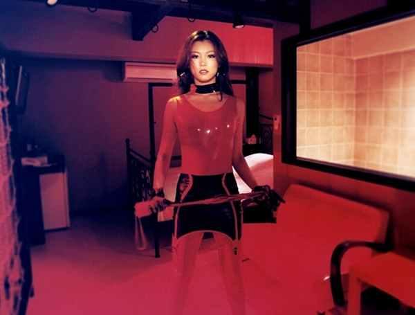 领略日本情趣境界揭秘旅馆最高情趣的紫色丁字裤情趣图片