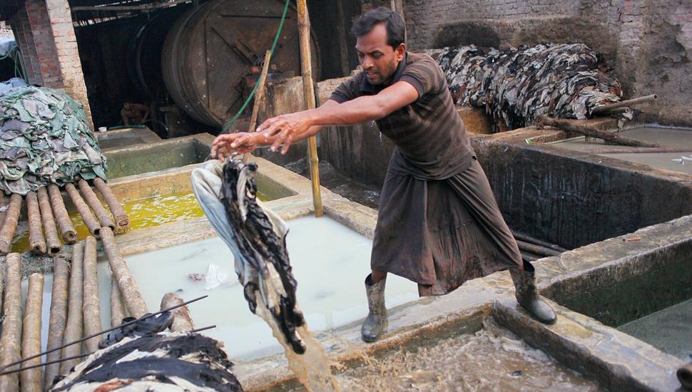 孟加拉国皮革厂工人的日常生活