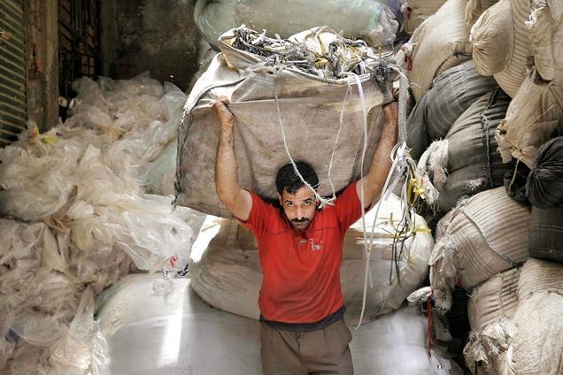 """埃及""""垃圾城"""":探访贫民窟里的拾荒者"""