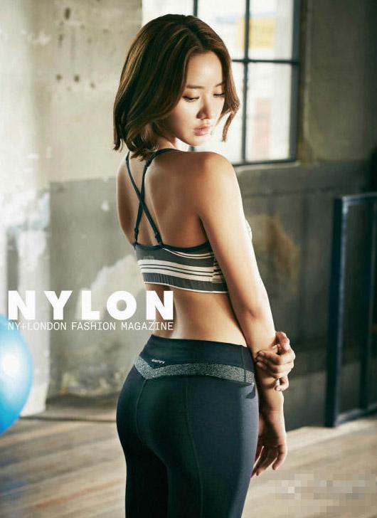 韩国最美身材女星曝性感健身照