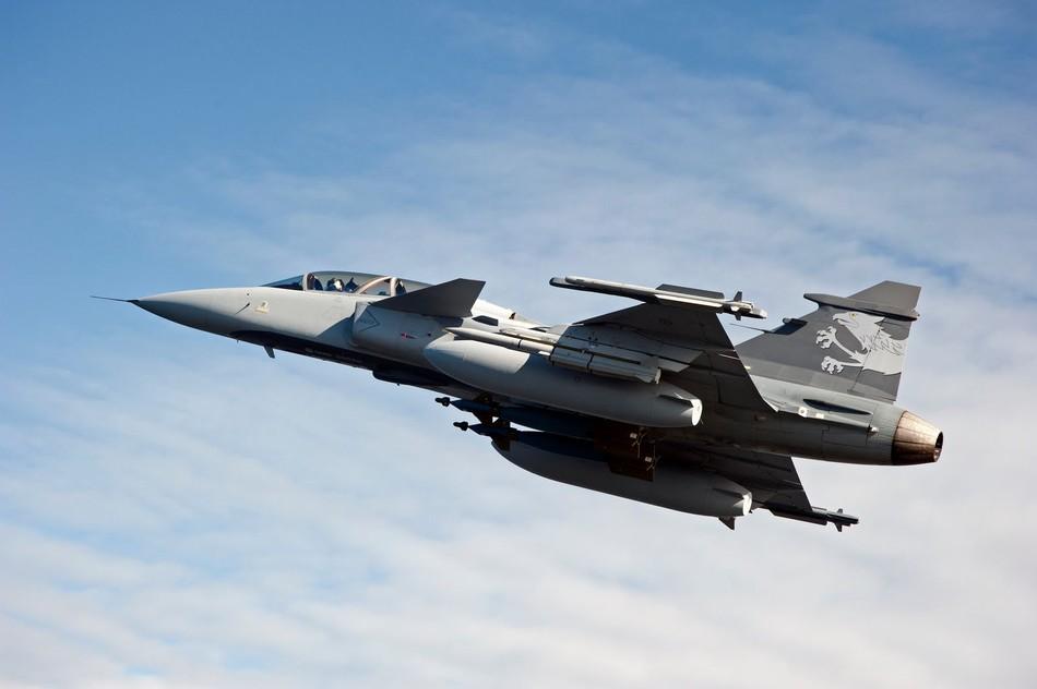 "saab jas-39""鹰狮""战斗机高清图片"