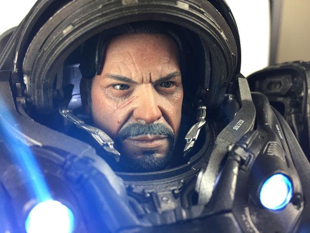 《星际争霸》雷诺可动手办赏 穿动力装甲威风凛凛