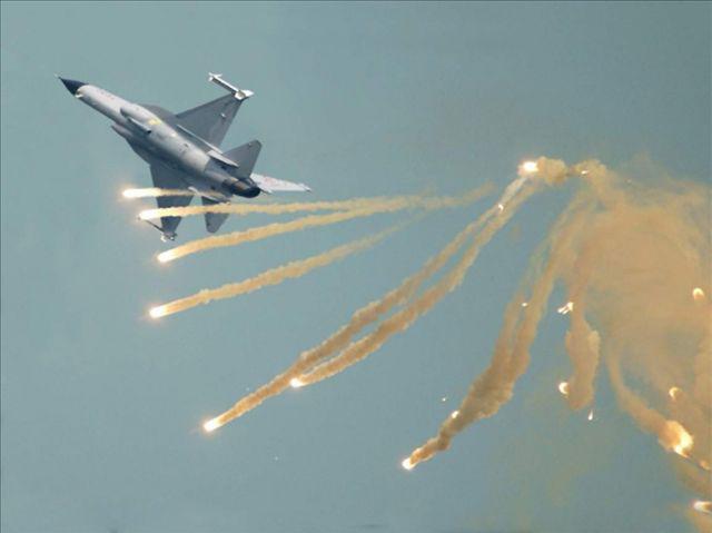 战斗机干扰弹