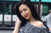 刘梓妍时装周重返巴黎 帅气街拍秀长腿香肩