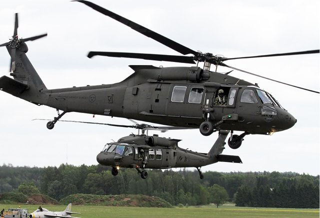 台军将把4架黑鹰直升机交内务部门