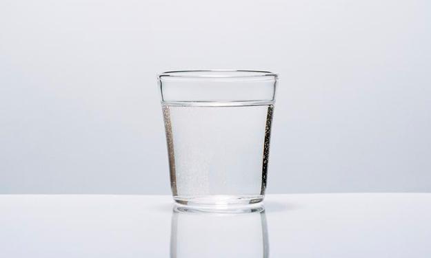 """1杯白开水竟然有6大""""神功"""""""