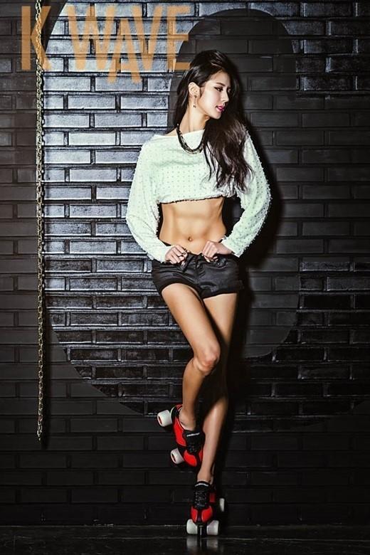 身材:韩啦喇神美腿写真腹肌性感大秀美女高清动漫萌图片