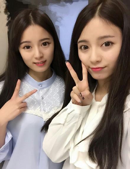 双胞胎姐妹花百合_最美双胞胎姐妹校花走红_娱乐_环球网