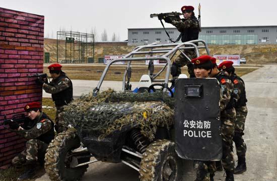 新疆成立雪鹰女子特勤分队