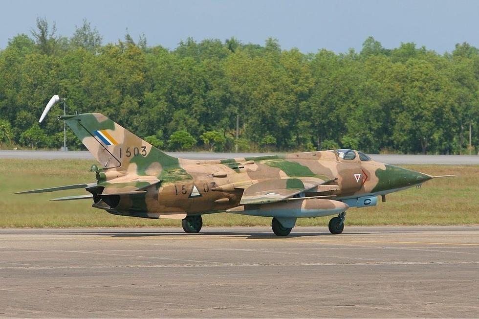 缅甸空军现役战斗机
