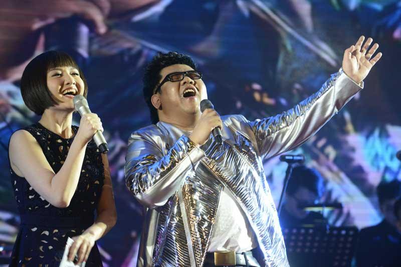 杨光新专辑引领复古风潮 歌声与故事追忆纯真年代