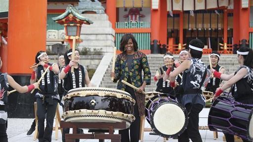 米歇尔在日本著名高中与高中生一同表演太鼓鹤壁景点2009高考年图片