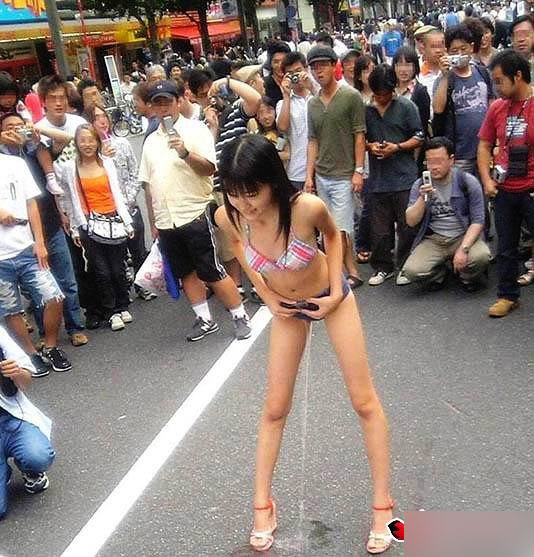 脱下和服后的日本女人 健康