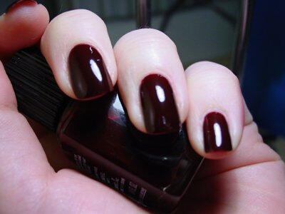 """手指""""美容术"""":俄媒分享5个美甲小贴士"""
