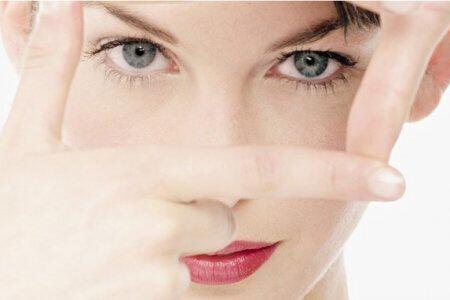 俄媒分享7款自制面膜助你轻松解决眼部问题