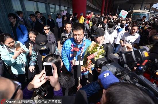 北京凯旋被告知走特别通道 闵鹿蕾拒绝要见球迷