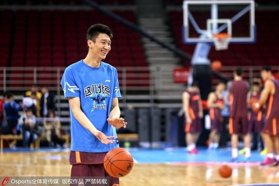 孙悦:扣不了篮时就会退役 未来将指导爱篮球少年