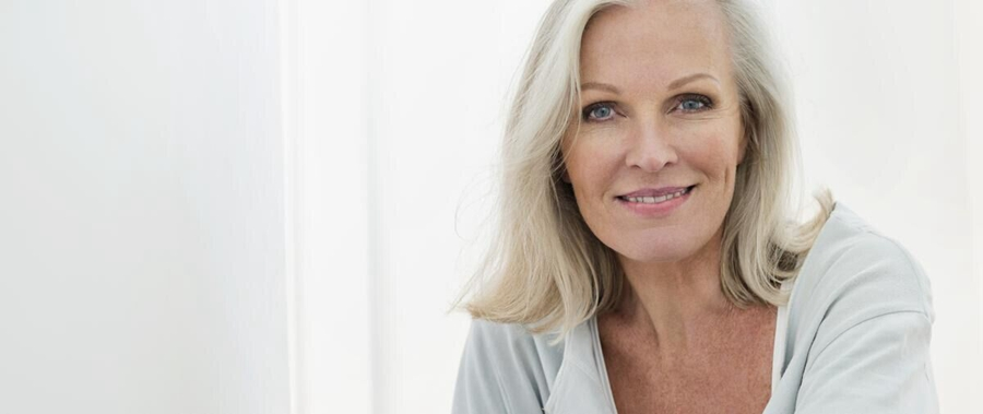 白发不再是噩梦!精心护理美丽白发展现动人风采