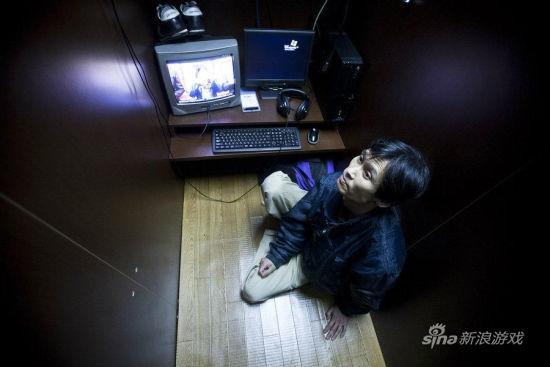 日本有这样一群人:网吧难民