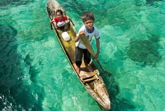 摄影师8天探秘 体验巴瑶人海上生活