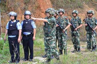 云南出动军警在边境联合巡逻
